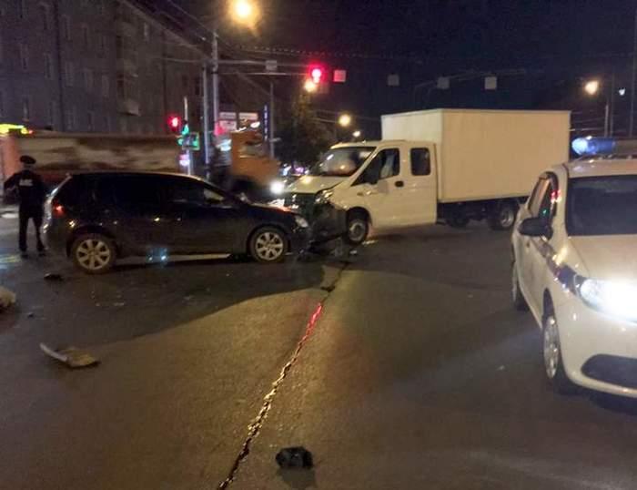 В Уфе мужчина сбил пешехода и ехал с ним на капоте, пока не врезался во встречную Газель Уфа, ДТП, Негатив