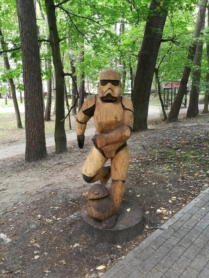 Резьба деревянных скульптур в натуральную величину видео