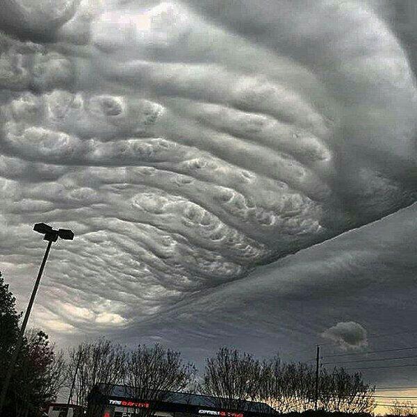 Волнистые облака в штате Алабама.