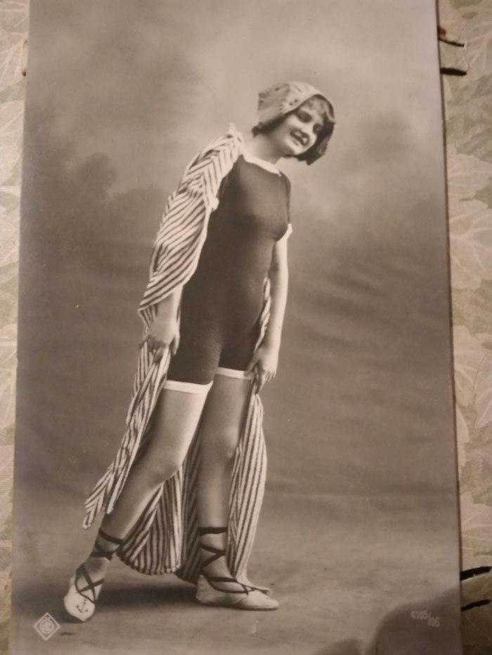 Старый альбом с открытками. Открытка, Старое фото, Старина, Длиннопост