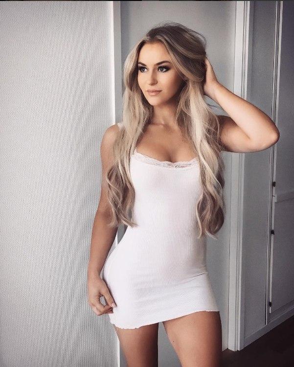 Картинки наглые девушки блондинки, порно фото зрелая сосет