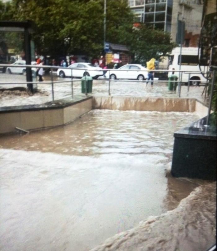 Потоп в Ялте Ливень, Ялта, Длиннопост