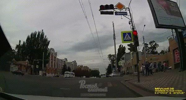 Эх, проскочу #21 ДТП, Ростов-На-Дону, Эх проскочу, BMW, Пешеход, Прилетело, Гифка, Видео