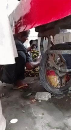 Спелые фрукты.