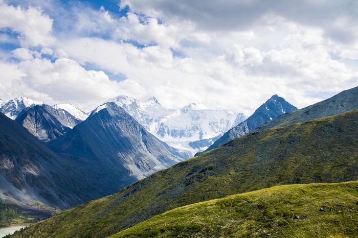Белуха в облаках Горы, Алтай, Белуха, Горный Алтай, Аккем, Туризм, Фотография, Поход
