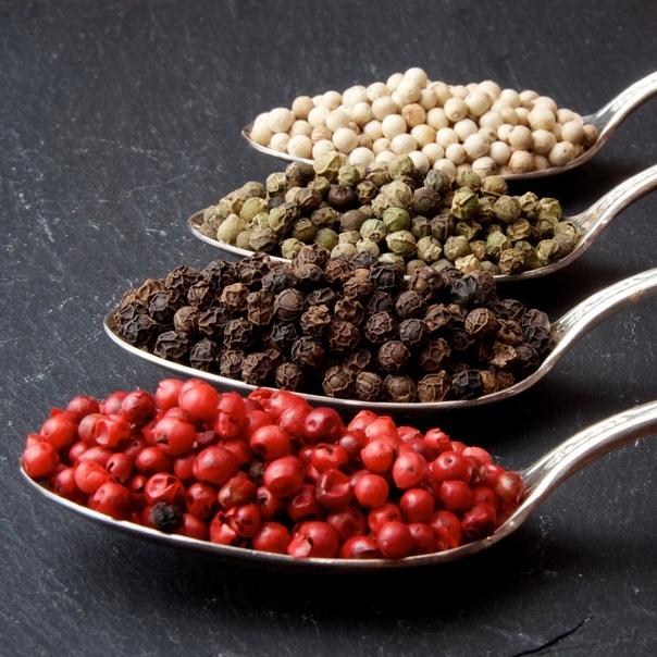 Чёрный, белый, зелёный и розовый перец. В чём разница, и как их применять Черный перец, Белый перец, Зеленый перец, Розовый перец, Перец, Пряности, Специи, Кулинария, Длиннопост