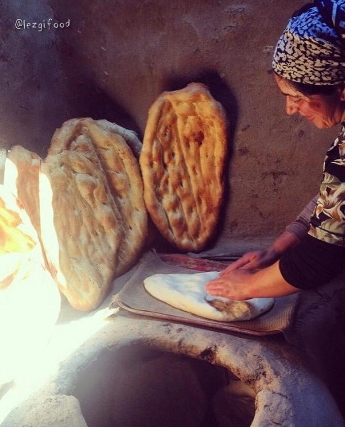 Приготовление хлеба в высокогорном селе Дагестана. Горы, Село, Деревня, Дагестан, Хлеб, Кулинария, Фотография, Россия, Длиннопост