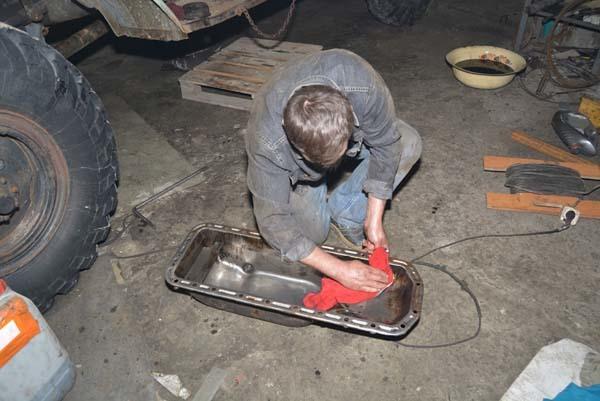 Старый ЗИЛ-157, который догнивал посреди поля, превратили в реактивный миномет «Катюша» Катюша, Зил-157, Самоделки, Длиннопост