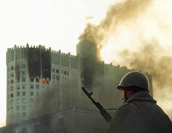 4 октября были расстреляны демократия и право. И пришел американский диктат 4 октября, Белый дом, Ельцин, Расстрел, Демократия, Право, СССР, Россия, Длиннопост