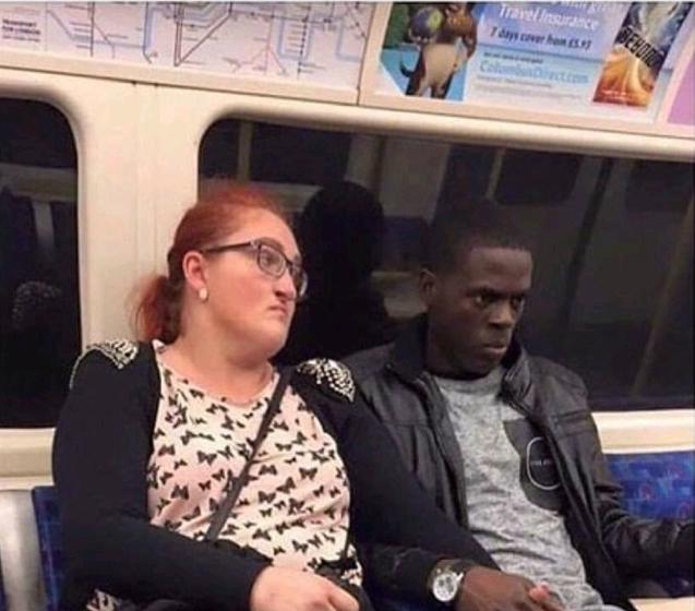 В метро Метро, Взгляд, Негр