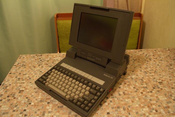 Уже не luggable pc, ещё не notebook: Laptop TOSHIBA T3100/20 Toshiba, Ноутбук, Oldschool, Habr, DOS, Длиннопост