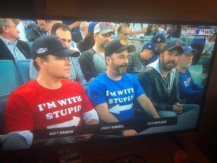 Доказательство того, что бейсбол может объединить худших врагов