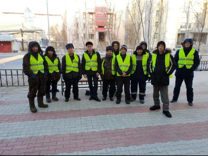 На улицах Якутска появились дворники Якутск, Сардана Авксентьева, Дворник