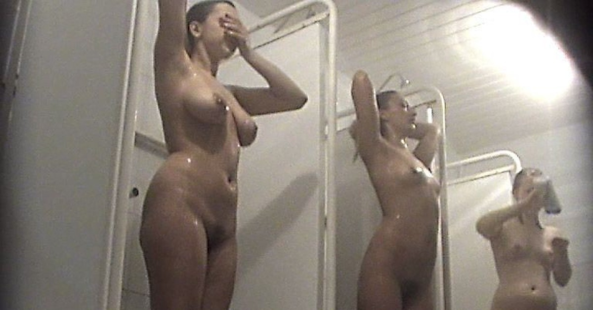 Скрытая камера раздевающимися женщинами