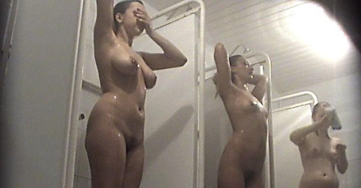 erotika-s-golimi-devushkami-na-skrituyu-kameru-porno-russkie-svingeri