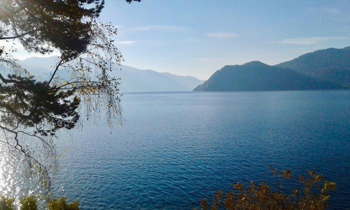 Утро на Телецком озере.