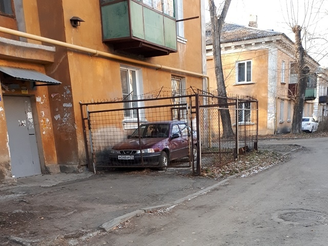 Парковка в Челябинске.. Челябинск, Парковка