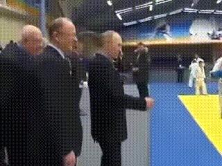 Путин учит приему