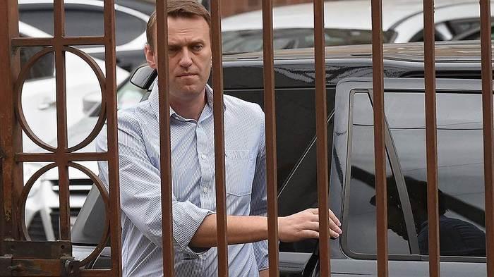 Причина почему же Навального не выпустили из России Общество, Политика, Мосгордума, Алексей Навальный, Москва, Россия, «Коммерсантъ», Штраф