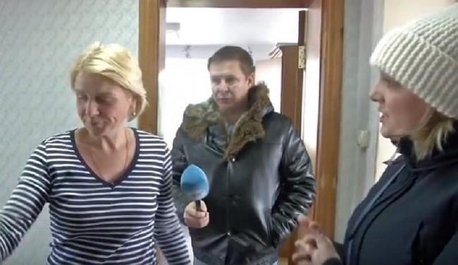 «Я жена полицейского, ты понял?»: сотрудница ЖКХ заперла журналиста ОТС — он снимал сюжет о холодных батареях ЖКХ, Новосибирская область, Журналисты, Отопление, Драка, Длиннопост, Негатив