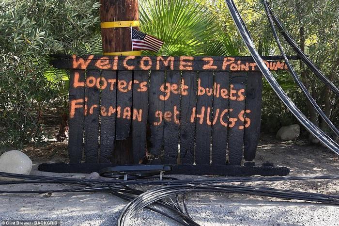 Жители Калифорнии с оружием в руках защищают имущество от мародеров Оружие, Пожар, Калифорния, Мародеры