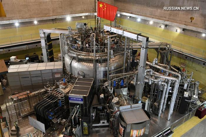 Китайские физики разогрели плазму внутри токамака до 100 миллионов градусов Цельсия. Китай, Физика, Термоядерный синтез, Ученые, Технологии, Развитие, Наука