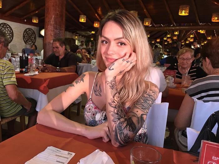 Victoria Carioni (@victoriacarioni) Victoria Carioni, Its a trap!, Trap IRL, Транс-Девушки, Транссексуалы, Трансгендеры, Гифка, Длиннопост