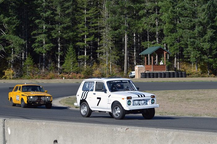Гопник team на заезде Лимон (не путать с Le Mans)) ) в Шелтоне, штат Вашингтон. Чики-Брики, Гонки, Нива, Гопники, Российский автопром, Длиннопост