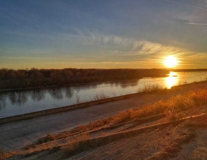 Закат на набережной Длиннопост, Мобильная фотография, Фотография, Huawei mate 9, Дзержинск, Закат