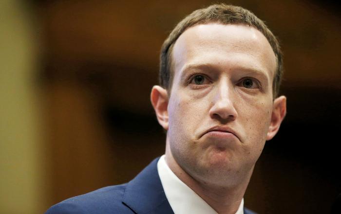 Марк Цукерберг запретил топ-менеджерам Facebook использовать айфоны Facebook, Iphone, Марк Цукерберг