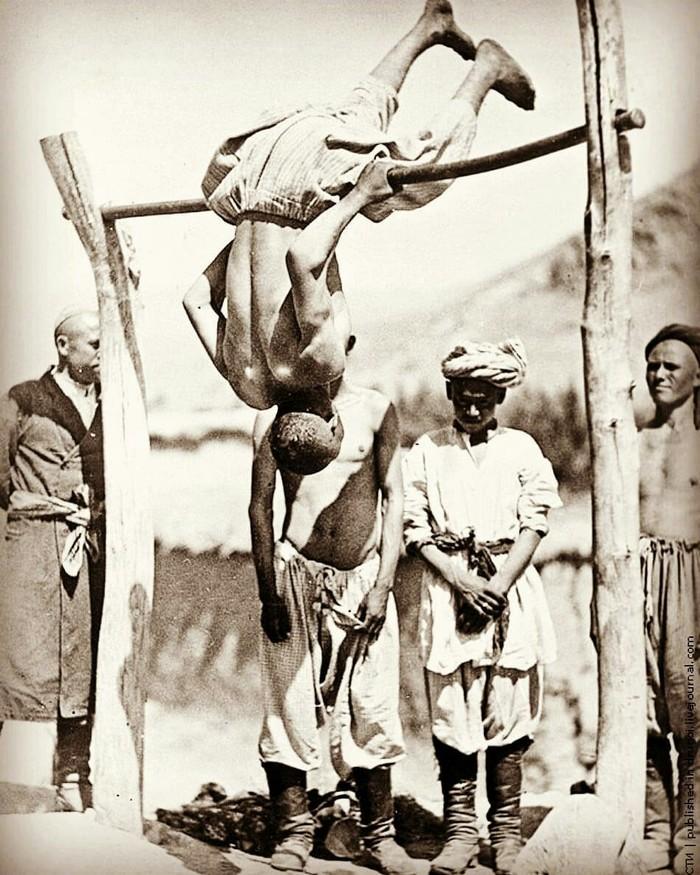Урок физкультуры, Ташкент, 1935 год.