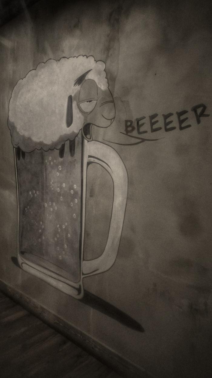 Beeeer Бар, В питере пить, Овцы, Санкт-Петербург, Рисунок на стене