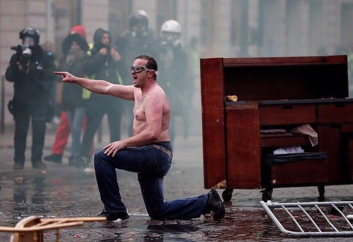 Французские протесты против повышения цен на топливо Франция, Протест, Бензин, Беспорядки, Длиннопост, Политика