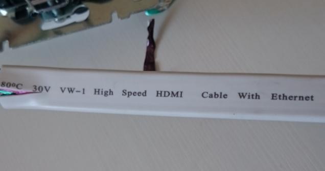 Небольшой фотоотчет монтажа розетки скрытого типа HDMI Legrand Valena Своими руками, HDMI, Монтаж, Рукожоп, Длиннопост