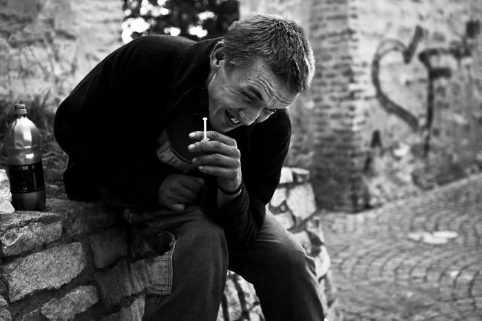 Фотограф Дэвид Тесински жил 8 месяцев снаркоманами на улицах Праги, чтобы сделать эти фотографии Наркомания, Фотограф, Длиннопост