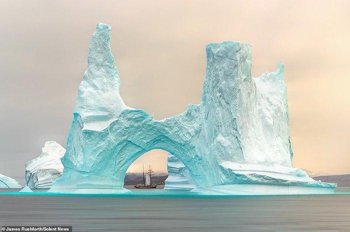 Где-то возле берегов Гренландии Шхуна, Айсберг, Красота, Гренландия, Фотография