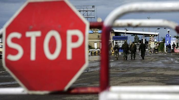 Украина закрыла въезд для мужчин из России в возрасте от 16 до 60 лет Украина, Политика, Гастарбайтеры, Россия