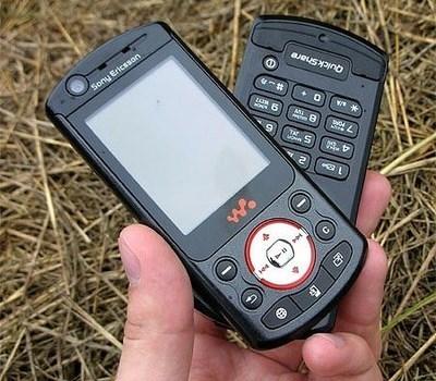 Легендарные мобильники, которые помнят и любят пикабушники Ностальгия, 2000-Ые, Мои нулевые, Nokia, Sony Ericsson, Motorola RAZR V3, Наше, Пикабушники, Длиннопост