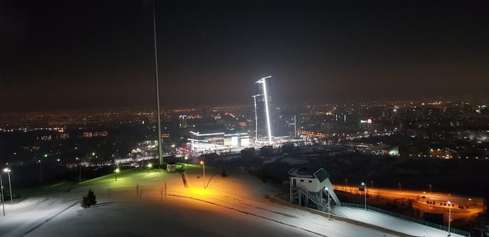 Вид с трамплина на ночной город Казахстан, Алматы