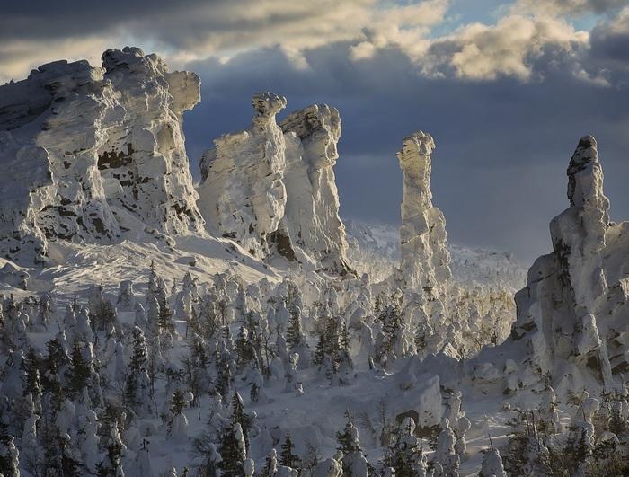 Гора Колчим-камень, или Помяненный камень. Пермский край Пермский край, Природа, Помяненный камень, Фотография