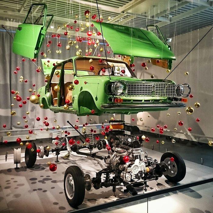 Как сделать крутую ёлку из ВАЗ-2101 (её «наряжали» полгода) Ваз-21011, Новогодняя елка, Музей, Копейка, Длиннопост