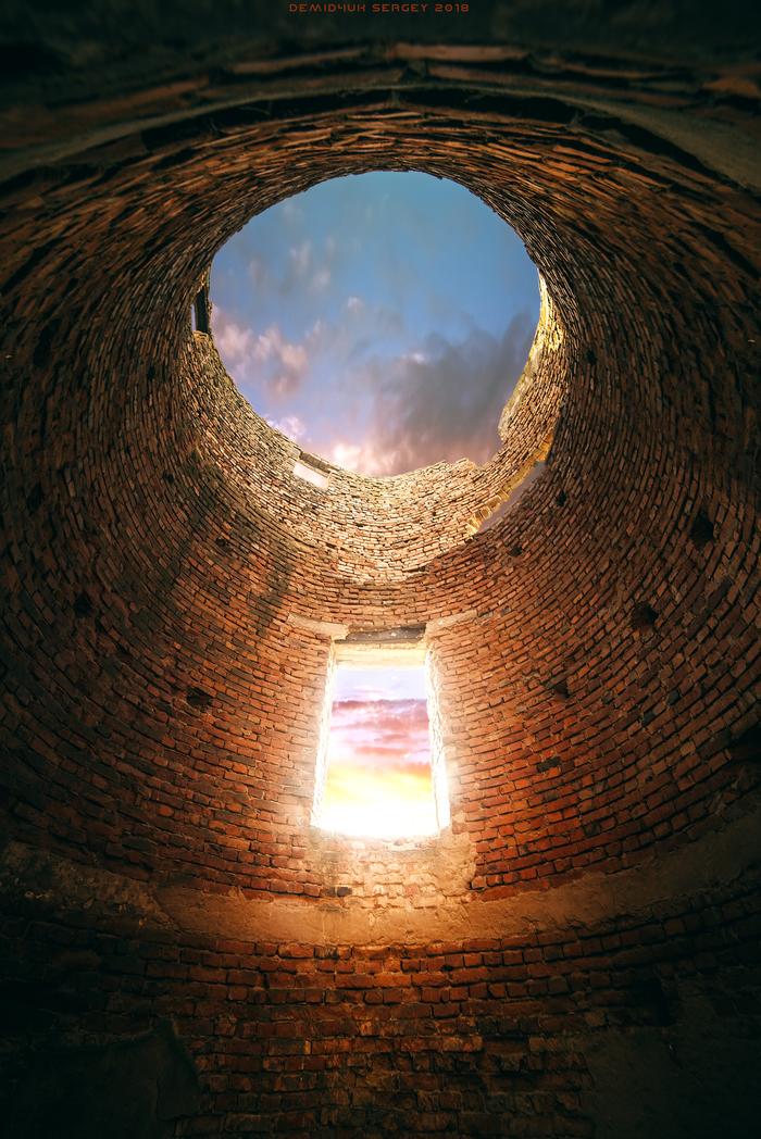 Заброшенная водонапорная башня Фотография, Клаустрофобия, Архитектура, Заброшенное, Цвет, Высота, Небо