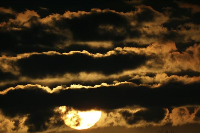 Страна багровых туч. Солнце, Закат, Облака, Калининград, Фотография