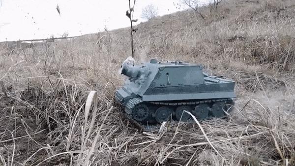 Штурмтигр для запуска ракет и фейерверков [Мир моих танков] Пластилин, Танки, Саша Резнов, Штурмтигр, Фейерверк, Мир моих танков, Кв-2, Гифка, Видео, Длиннопост