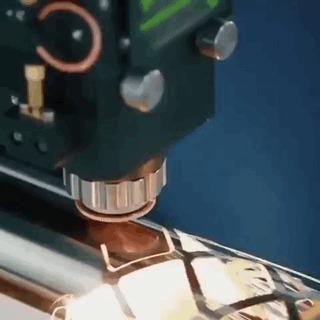 Волоконный лазерный резак.