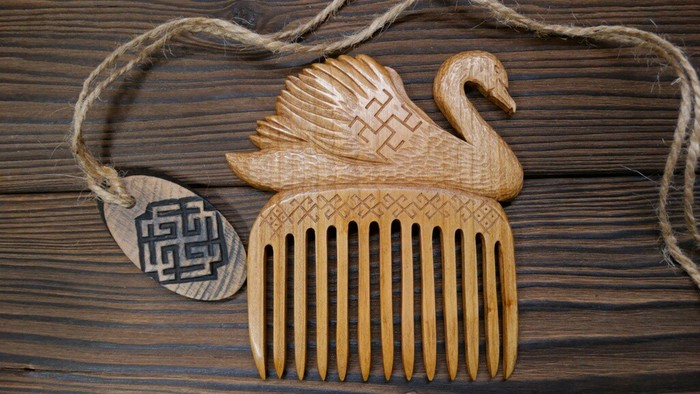 """Гребень из вишнёвого дерева """"Лебёдушка"""" Резьба по дереву, Ручная работа, Гребень, Деревянный гребень, Символ, Handmade, Woodcarving"""
