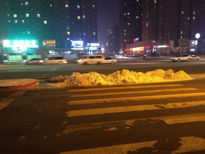 В Китае заботятся о пешеходах. Китай, Пешеходный переход, Дорога, Фотография