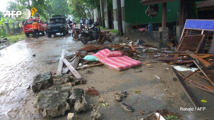 Число жертв цунами в Индонезии выросло до 168 человек Новости, Цунами, Индонезия, Происшествие, Стихийное бедствие, Длиннопост