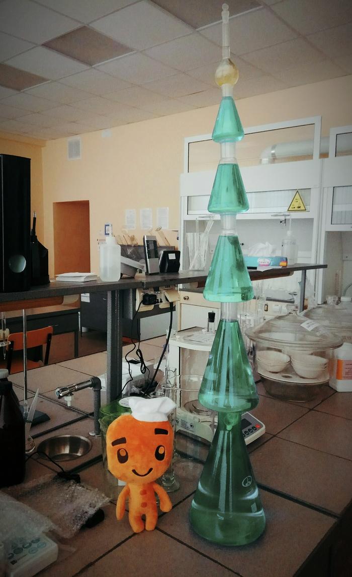 Новогодняя ёлка от Лиги Химиков