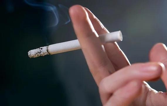 Курение предложили объявить вне закона Курение, Табак, Запрет, Россия